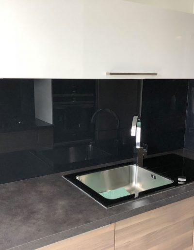Installation d'une cuisne sur meusure pour un appartement à Grenoble en Isère par Renov'isol