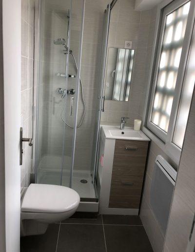 renovation-finie-salle-de-bain-a-crolles-38920-par-renovisol