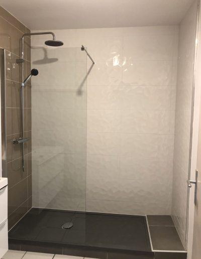Installation d'une salle de bain à Meylan en Isère par Renov'isol
