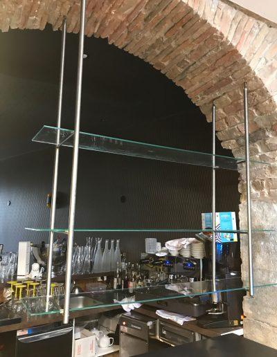 installation-etageres-en-verre-a-grenoble-par-renovisol